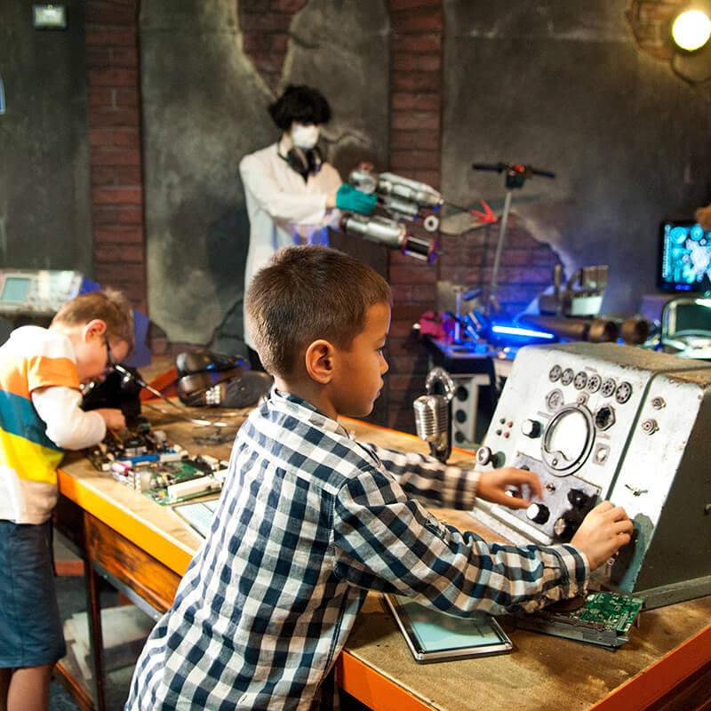 Top Secret Exhibit: kid at quantum crime computer