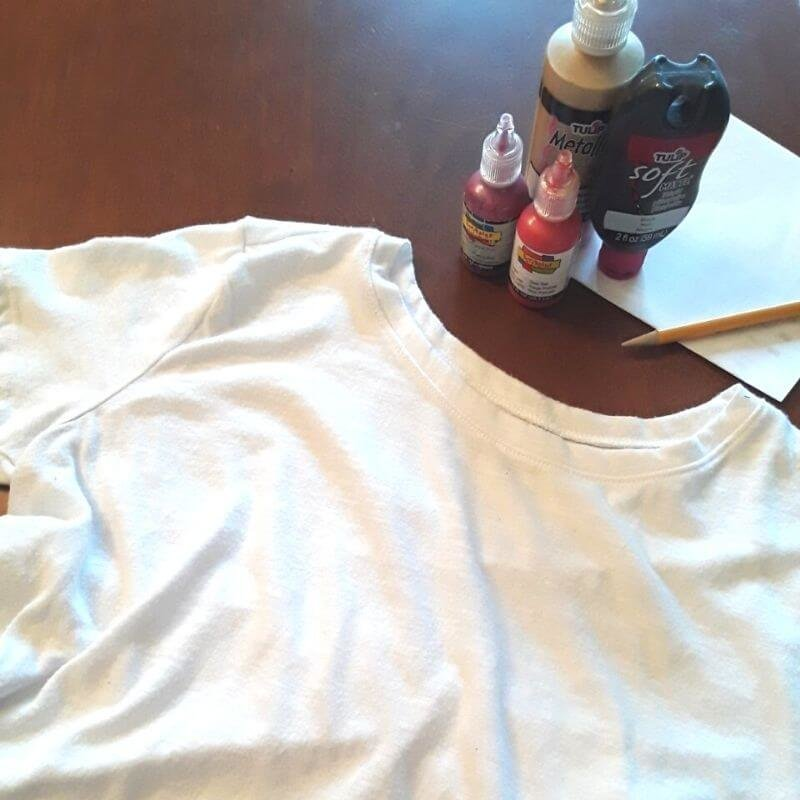 Pencil, paper, t-shirt, and puffy paint needed for puffy paint technique